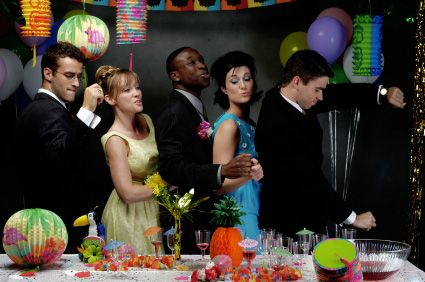 How To Throw An Adult Prom Party! - I am all over it for next year!!!