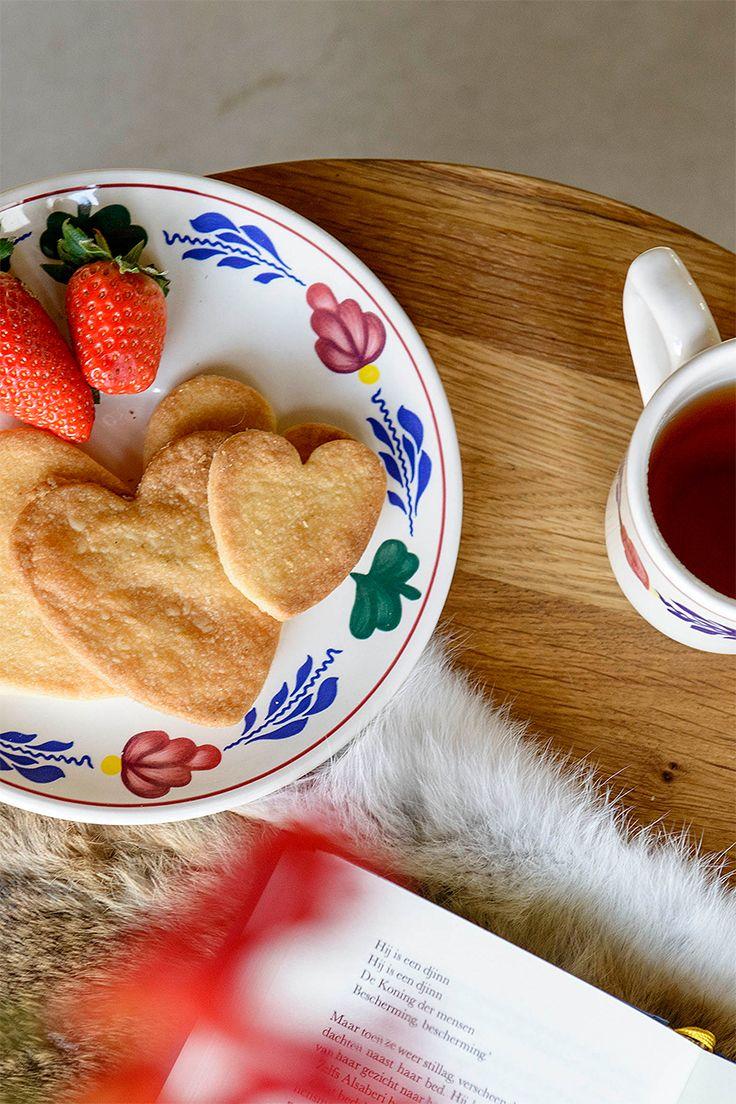 Verras je lief met zelfgebakken koekjes en een lekkere kop thee. Natuurlijk op Boerenbont gepresenteerd.