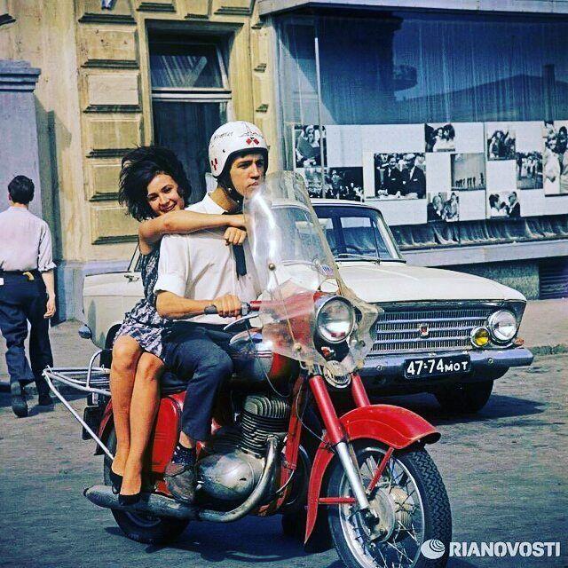 Jawa 250cc  Photo courtesy of @cccpgram  More photos on - http://ift.tt/1MOOLiU (Link in Profile) | #jawa | #jawamotorcycles.com | #idealjawa| #2stroke | #chrome | #Cz | #biker | #motorcycles | #imtheindianbiker | #yezdi | #yjoci | #retro | #czech | #vintage | #vintagestyle |#india | #motorbike | #caferacer | #bikeporn | #instamotogallery | #dirt | #bike | #picoftheday | #gopro | #motocross | #motorcycleyard |