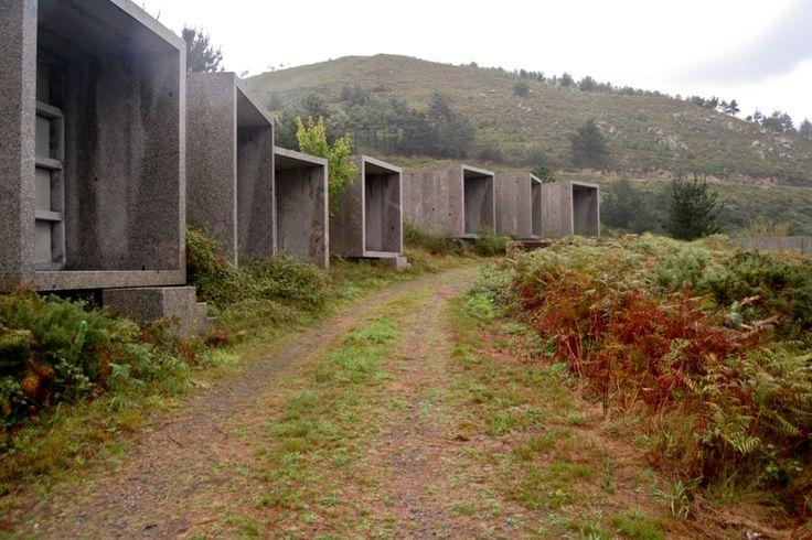 Cementerio de Fisterra: César Portela en el fin del mundo