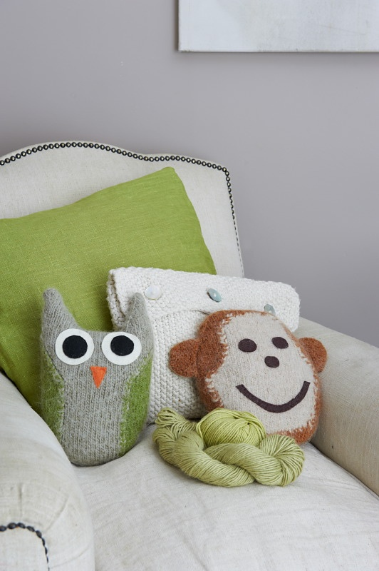 owl & monkey pillow (check on ravelry)