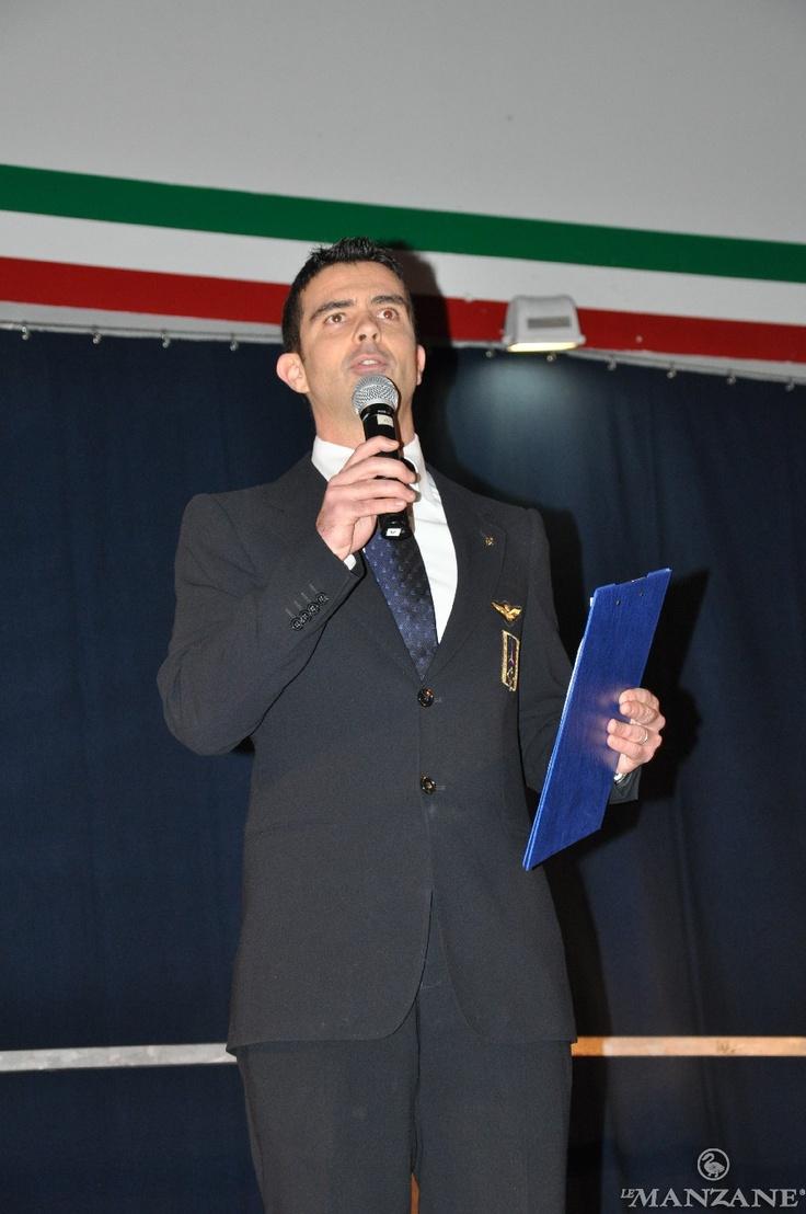 Il nuovo comandante delle frecce tricolori Ten. Col. Pil. Jan Slangen ringrazia i produttori presenti