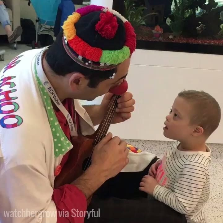 This doctor dresses up as a clown to brighten up his patient's days