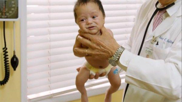 La méthode miracle d'un pédiatre pour calmer un bébé qui ...