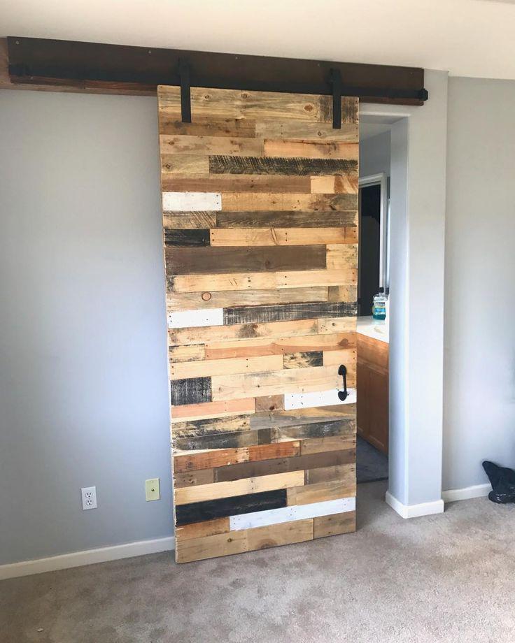 DIY recycled wood pallet door ideas in 2019   Pallet door ...