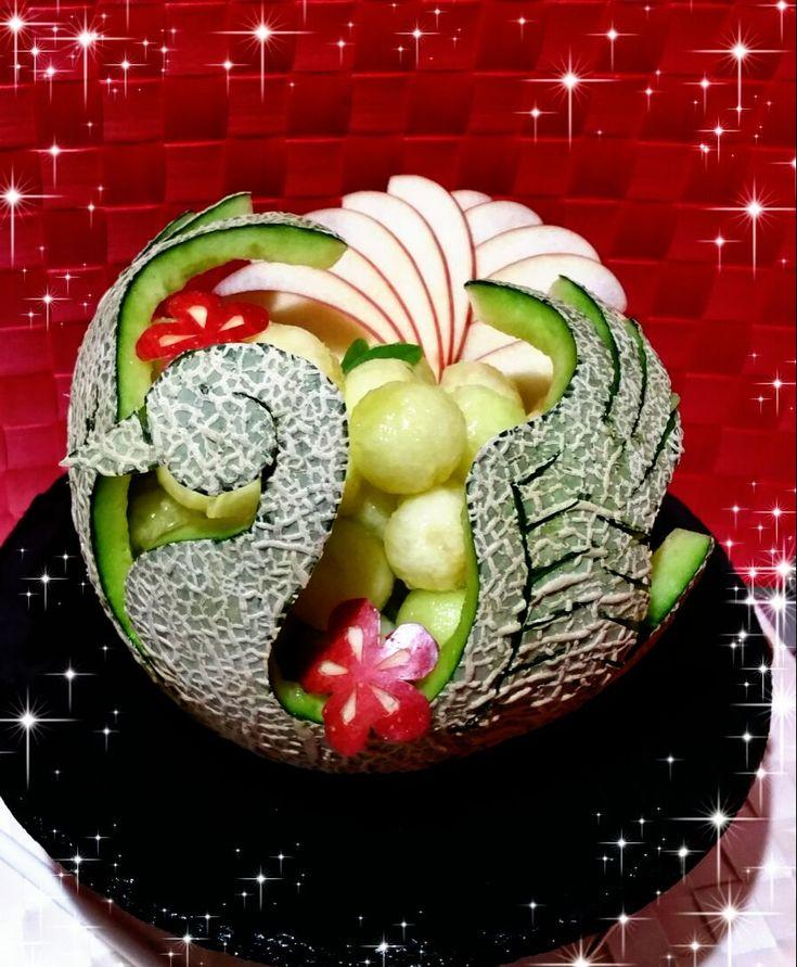 mamichullo's dish photo Happy New Year 2017  お正月スワン メロンアート | http://snapdish.co #SnapDish #お誕生日 #パーティー #お正月 #フルーツ #おやつ