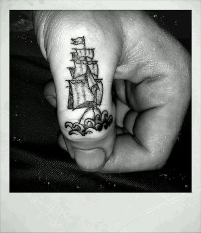 teeny ship <3