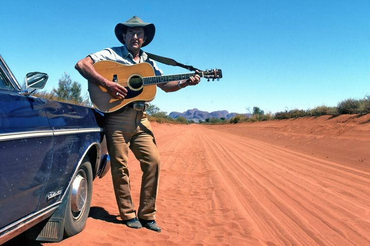 Slim Dusty with old Purple