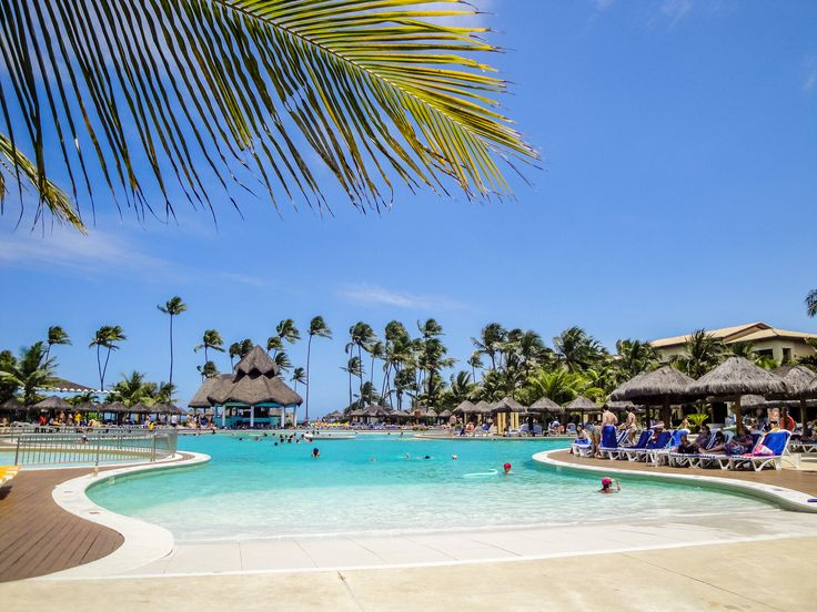 O Iberostar Resort fica na Praia do Forte, na Bahia e têm sistema All Inclusive. Listamos algumas dicas necessárias para você se hospedar em um All Inclusive: http://blog.cyrelaplanoeplano.com.br/index.php/viagem-e-turismo/dicas-necessarias-na-hora-de-viajar-com-sistema-all-inclusive/