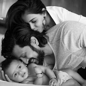 Such a cute pic of a cute family   #genelia #riteishdeshmukh