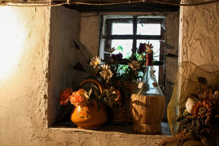Verstaubt: das Fenster in einer Käserei in der Emilia Romagna  ... #fenster #emiliaromagna