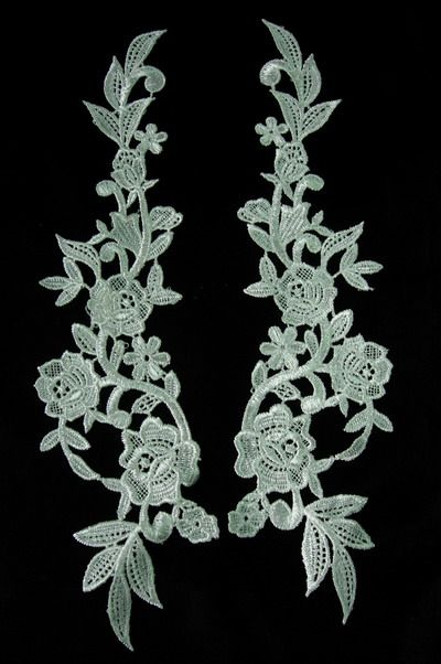 VT52 LR Pair Huge Rose Lace Venise Venice Applique Cream - Click Image to Close