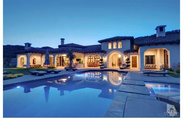 Nice big house with a pool and jacuzzi inside and out 6 for Nice big mansions