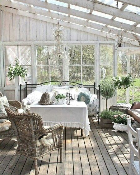 Wintergarten | Winter garden, moody and romantic | Greenhouse ideas | Beautiful white greenhouses with lush green plants, leaves and leafy florals | Dream garden | Gardening inspiration | By jewellery label AU REVOIR LES FILLES | Shop at www.aurevoirlesfilles.com