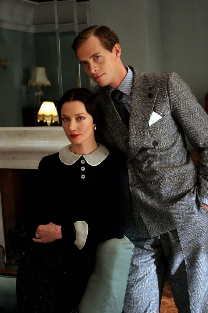 Stephen Campbell Moore as the Prince of Wales and Joely Richardson as Wallis Simpson in Wallis & Edward, 2005 TV movie