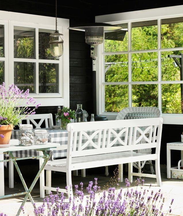 Vintage Summer Cottage - lookslikewhite Blog - lookslikewhite