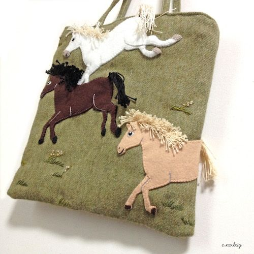 """Horse felt applique and embroidery mini bag by e.no.bag """"ウマ ノ バッグ """" #horse #felt #embroidery #horse"""