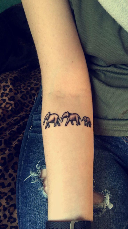 best 25 small elephant tattoos ideas on pinterest small elephant elefant tattoo and tiny. Black Bedroom Furniture Sets. Home Design Ideas