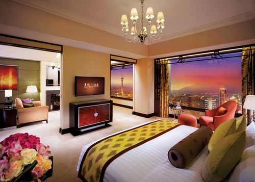StarWorld Hotel is the tallest casino hotel in Macau. The contemporary design and modern facilities makes the hotel a shining landmark towering downtown Macau. #starworld #hotel #macau http://helloasia.travel