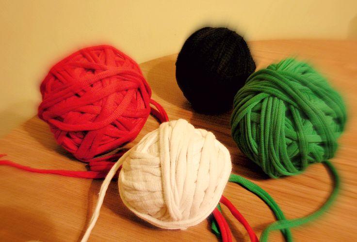 T-shirt yarn  http://klejmotek.blogspot.com/2014/12/tniesz-sadzisz-i-masz.html
