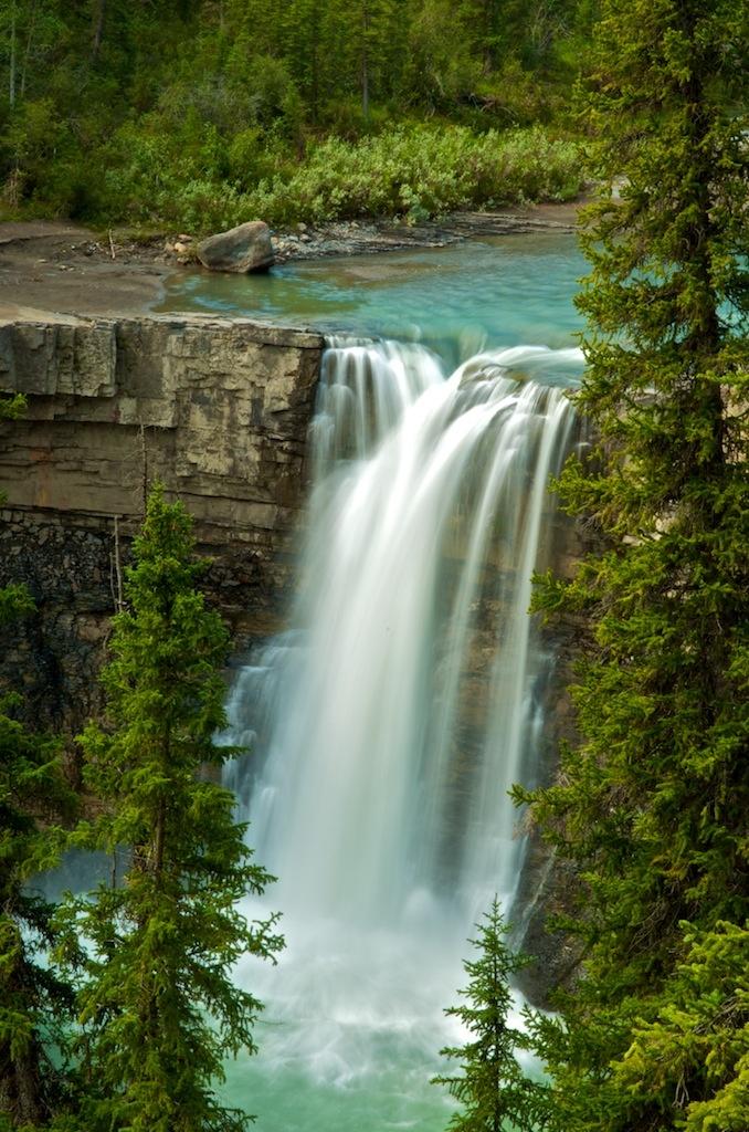 Crescent Falls. David Thompson Resort Area. Alberta-Canada