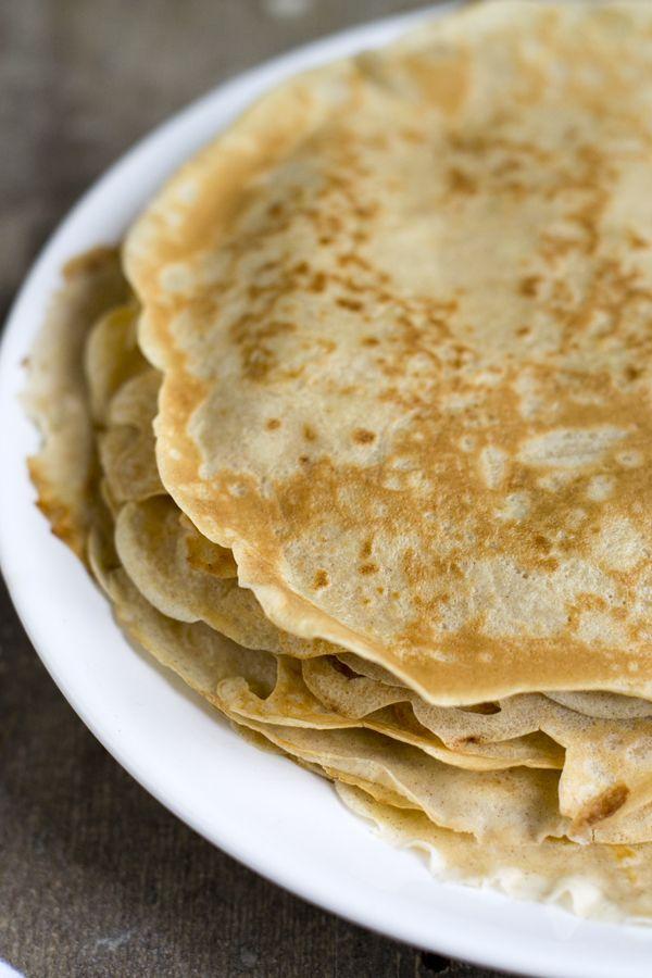 Hier op het blog heb ik al vaak geroepen dat ik gek ben op pannenkoeken. Dat hoef ik jullie niet meer te vertellen. Er staan al meerdere recepten voor en met pannenkoeken online. (klik hier om alle pannenkoek-recepten te bekijken) Maar vandaag deel ik er nog een extra pannenkoekenrecept. Ik kan het niet laten.. Tot... LEES MEER...