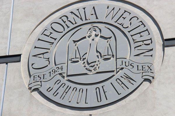 La maestría ofrecida por CWSL es un pos-grado de los EE.UU. que tiene enfoque en técnicas en litigación oral para los abogados en un sistema adversarial.