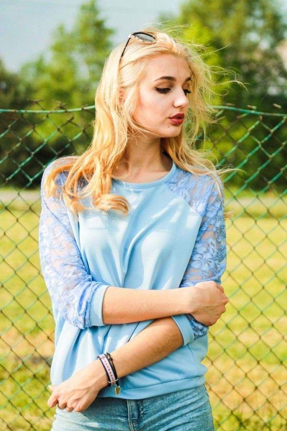 Bluza z Koronkowymi rękawami błękit