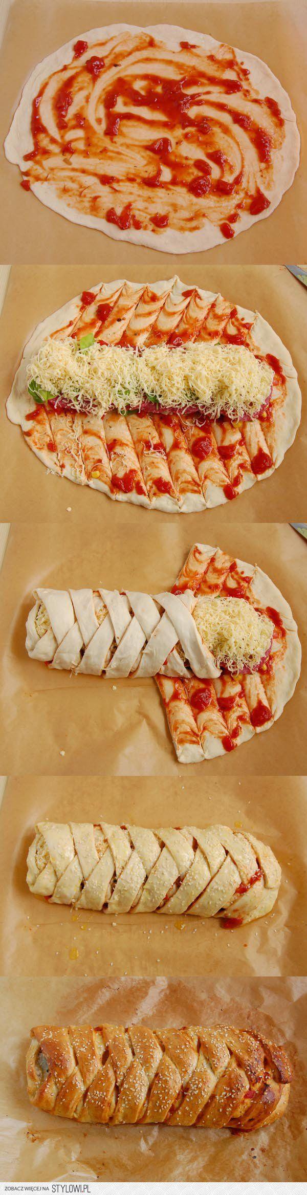 Stromboli to rodzaj zawijanej pizzy, w sieci można znal…