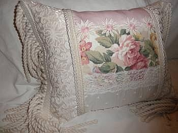 Victorian pillow ????? ????? Pinterest Pink, Victorian and Pillows
