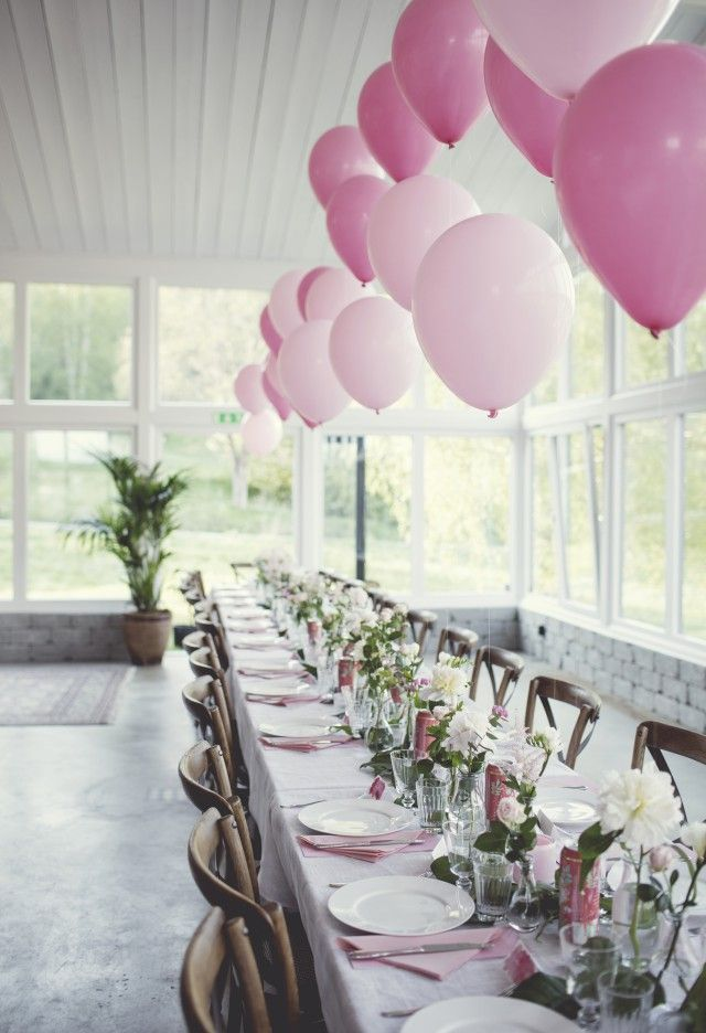 Table setting pink balloons Event Decorating