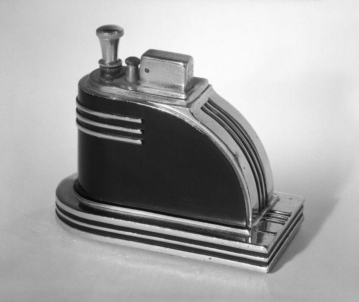 L.V. Aronson.Encendedor, Ronson Touch-Tip, ca. 935. Cromo y metal negro, esmaltado,