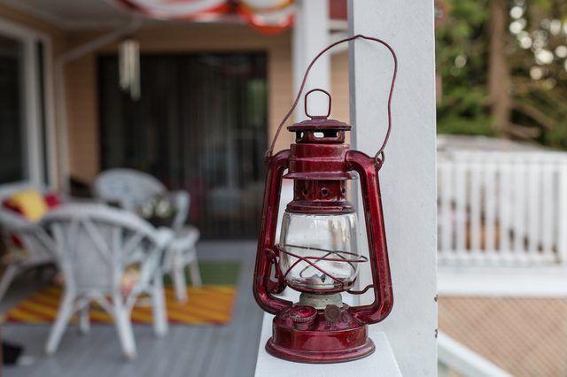 How To Clean Antique Kerosene Lamps Kerosene Lamp Antique Oil Lamps Lamp