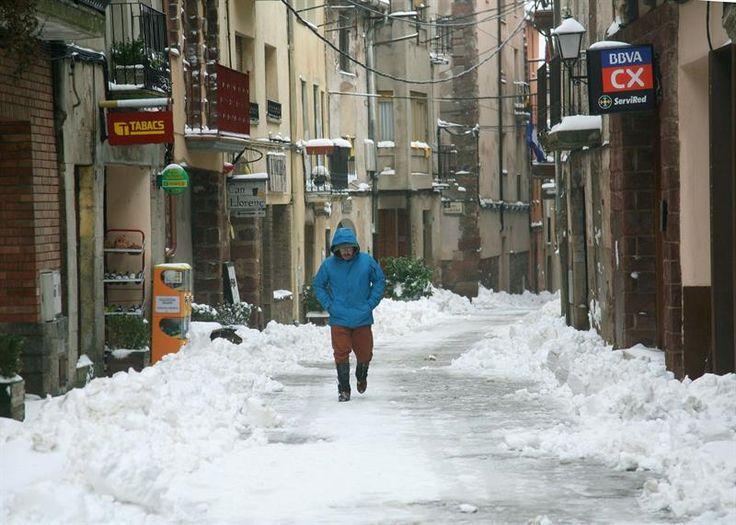 La lluvia el oleaje y el viento mantienen en alerta al país tras retirarse el temporal de nieve