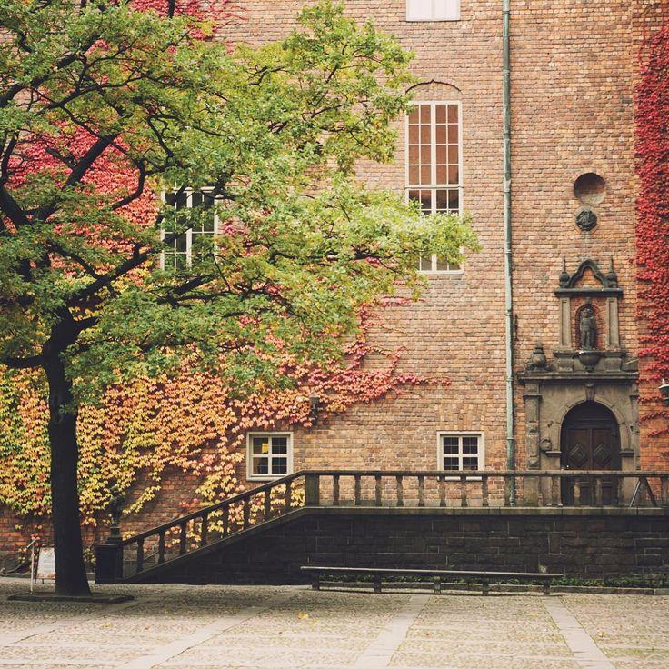 Внутренний двор Ратуши - здесь проходит праздничный обед нобелевских лауреатов после вручения премии. #швеция #стокгольм #sweden #stockholm
