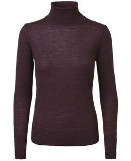 The turtleneck is back! #magasindunord #extrafinemerinowool #musthave www.magasin.dk