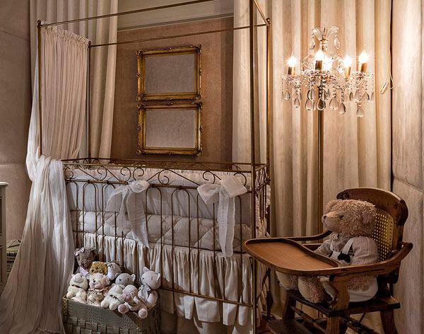 Decoração quarto de bebê clássico elegante - berço (Foto: Jomar Bragança)