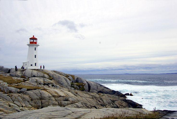 Le phare de Peggys Cove Nouvelle Ecosse par JP Lebrun