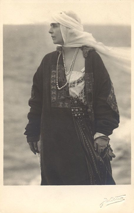 Mamaia, October 1924  Queen Marie of Romania