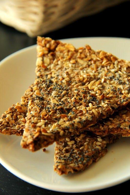 Domowe chrupkie pieczywo skandynawskie; dietetyczne pieczywo razowe; dietetyczne przekąski