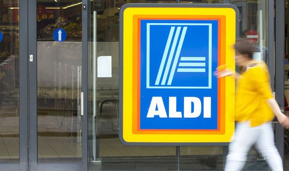 #Ecommerce_News_today‬  ‪ #Aldi‬ launches online shopping to offer ‪ #discount‬ booze  ‪ #BARGAIN‬ hunter favourite Aldi has launched online shopping for its customers to pose an even bigger threat to Britain's biggest supermarkets.  <> http://www.ecbilla.com/ecommerce-news/online-store/aldi-launches-online-shopping-to-offer-discount-booze.html   #online_shopping‬, ‪ #discount_store‬, ‪ #parcel_service‬, ‪ #Britain_biggest_supermarkets‬ ‪ #latest_ecommerce_news‬