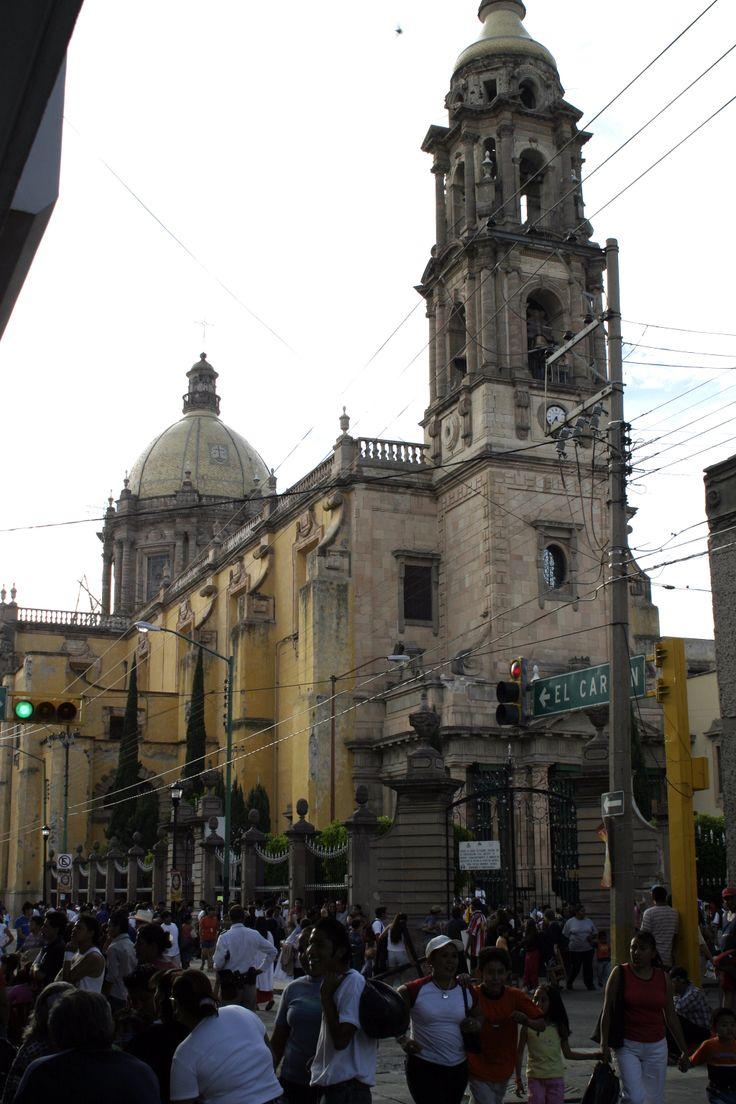 Centro Histórico en Celaya, Guanajuato. right near the church my parents got married in.