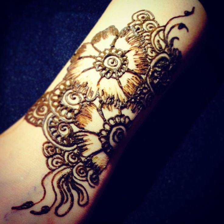 20 Smal Arm Henna Tattoos Ideas And Designs