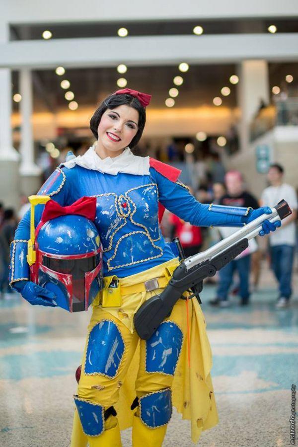 Awesome Snow White/Boba Fett Cosplay