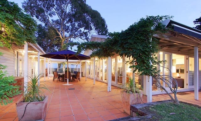 Merricks North Retreat - A country estate - by Select Retreats