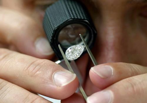 hai un diamante? controlla il certificato del tuo diamante