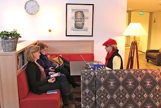 Näkymätön pikkujoulu 26.-27.11.2011 Petäys Resort:ssa Tyrvännöllä, ryhmätyö menossa.