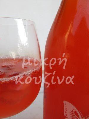 μικρή κουζίνα: Ρώσικη σανγκρία (ποτό φράουλα-ανανάς)