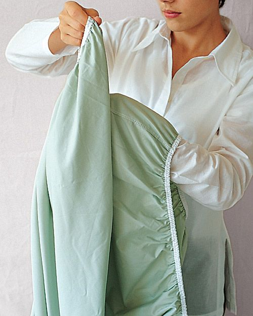 How to Fold a Fitted Sheet - oh, Martha.: Fitted Sheets, Folding Sheet, Marthastewart, Folding Fit, Perfect Folding, Fit Sheet, Martha Stewart, Bedrooms Organizations, Linens Closet