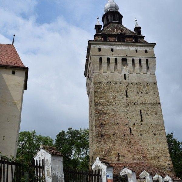 L'église fortifiée de Saschiz, et sa tour de guet.
